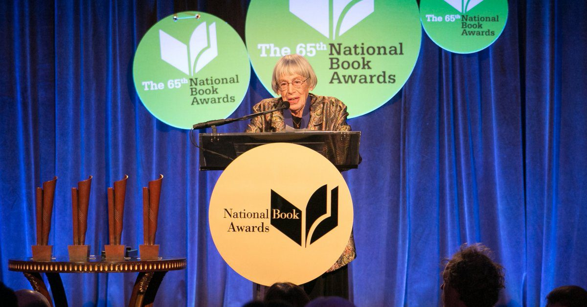 Ursula Le Guin presented with the Medal for Distinguished Contribution to American Letters in 2014