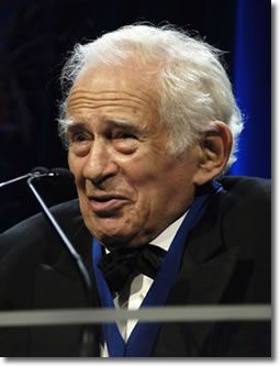 Norman Mailer Accepts the 2005 Medal for Distinguished Contribution in American Letters